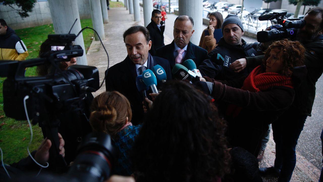 El abogado de los padres de Diana Quer habla con los medios antes de la cuarta jornada del juicio contra el Chicle