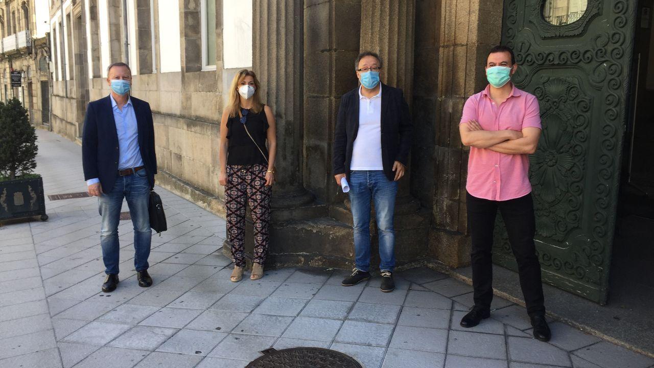 Asamblea de trabajadores de Alcoa San Cibrao.Rafael Rodríguez Villarino, Marina Ortega, Juan Carlos Francisco e Ignacio Gómez, del PSOE
