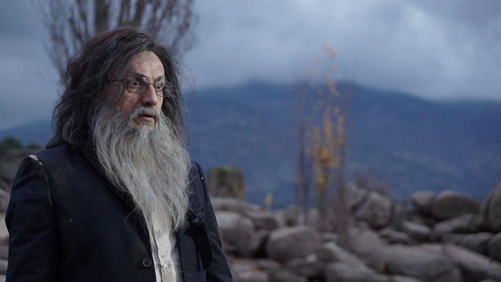 «El taxi» es uno de los «hits» para dar la bienvenida al nuevo año.José Mota, caracterizado como un Mariano Rajoy náufrago y perdido en una isla.