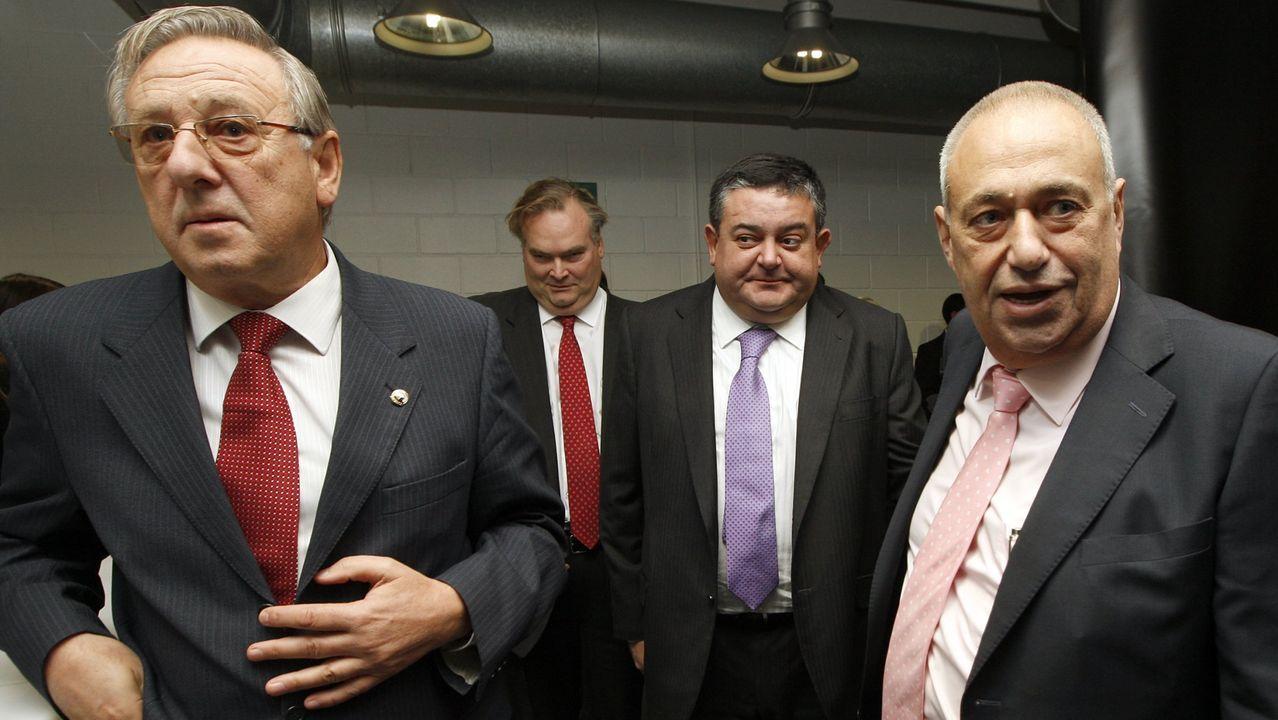 Manuel Jove (a la derecha), junto a su hermano Ángel, presidente de Anjoca
