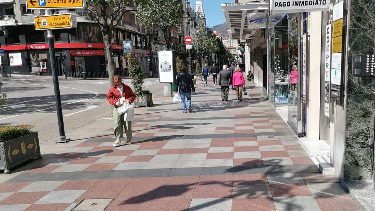 La calle Uría de Oviedo, con gente