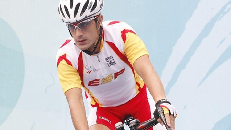 César Neira. Ciclismo. Aunque nació en Madrid sus padres son de Baralla y compite por el Super Froiz.