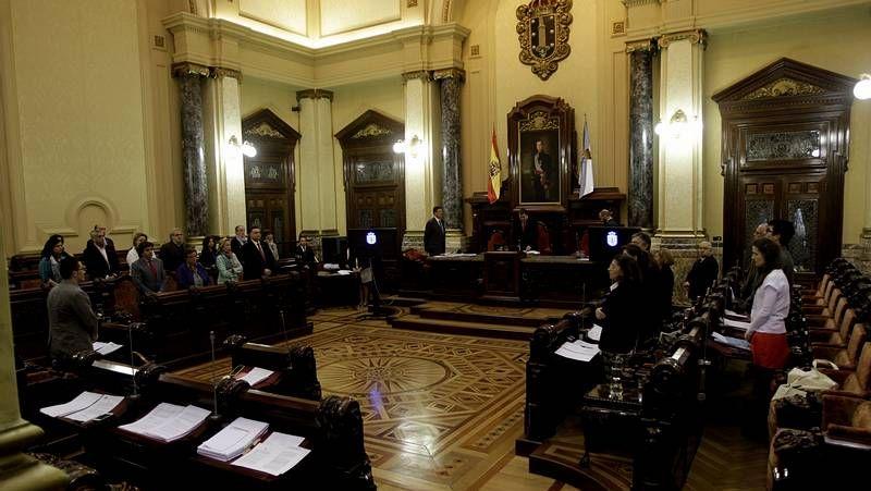El pleno de A Coruña guardó un minuto de silencio por la última víctima de la violencia machista, en Pocomaco