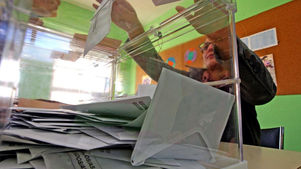 Imagen de archivo de una jornada de votaciones en Galicia