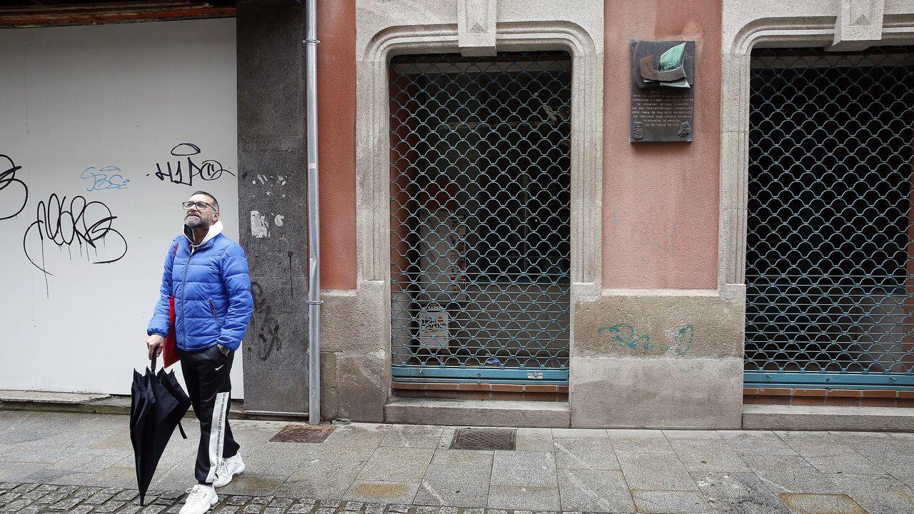 Lucía Blanco se recupera del Covid -19 con 106 años.El consejero de Interior de la Generalitat, Miquel Buch