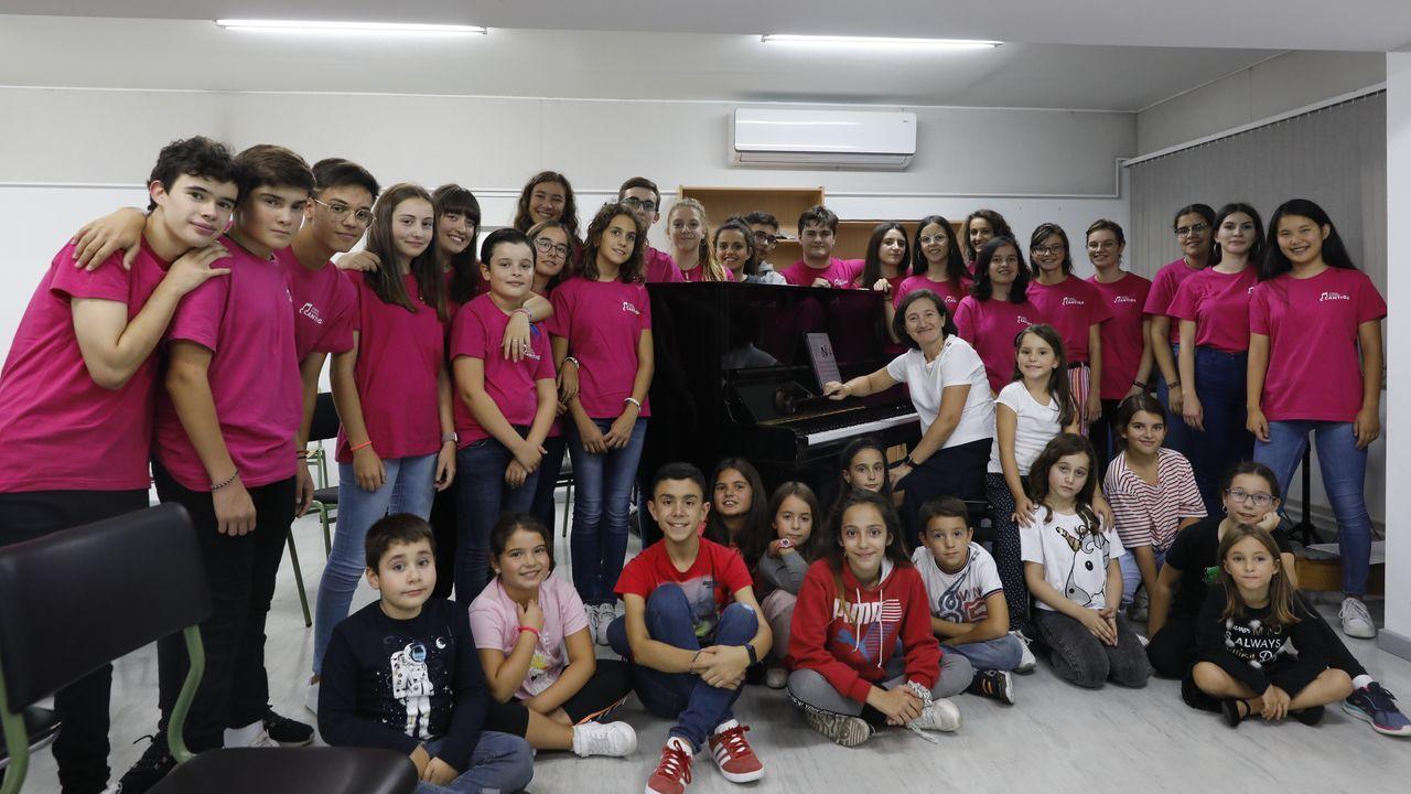 Coro infantil y juvenil Cantiga