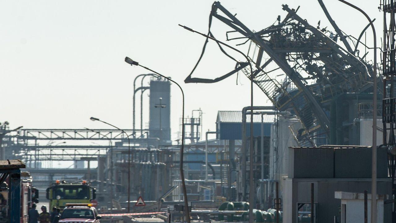Cuando en Avilés llovieron piezas de metal que pesaban toneladas.Estado en el que quedó el depósito donde se produjo el accidente en la planta petroquímica de Tarragona
