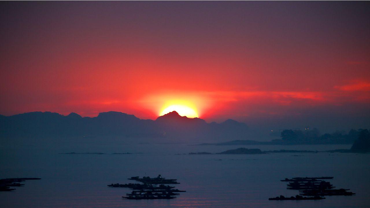 Paisajes otoñales en las montañas de O Courel y Quiroga.Puesta de sol en Moaña el pasado 19 de noviembre