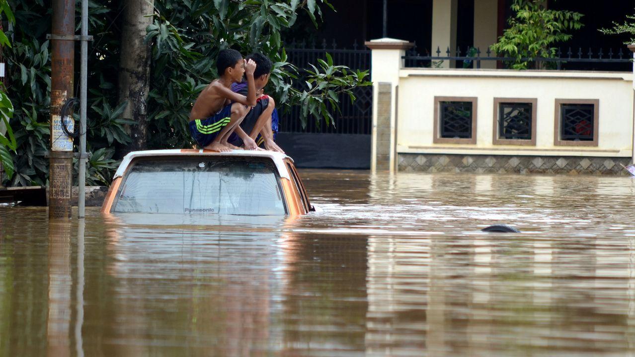 Joselu Requexon Real Oviedo.Inundaciones en Pravia