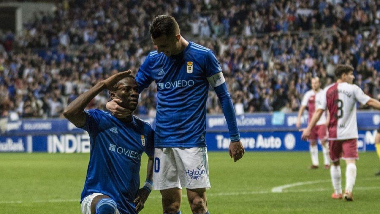 Ibra y Tejera celebran el 3-1 ante el Albacete