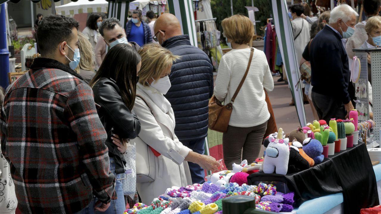 Culleredo reúne a más de cuarenta profesionales en la Feria de Artesanía