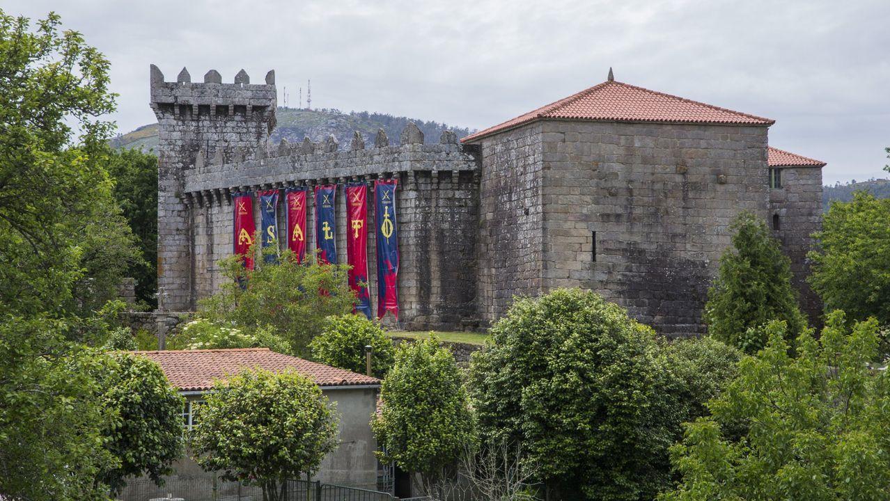 El Castelo, engalanado para el Asalto