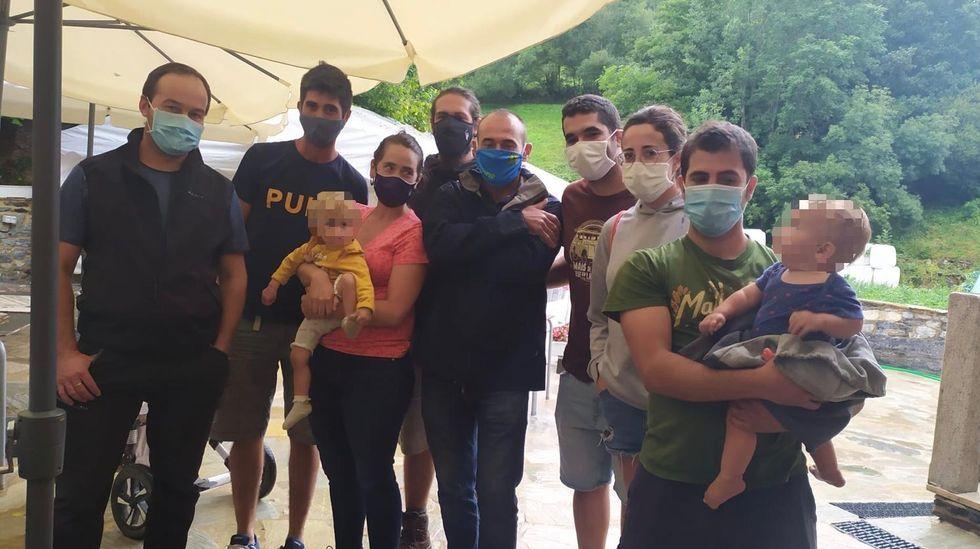 ACTOS CONTRA EL CAMBIO CLIMÁTICO EN BARBANZA.Fotos de los miembros de la asociación Ganaderos Regenerativos de Galicia