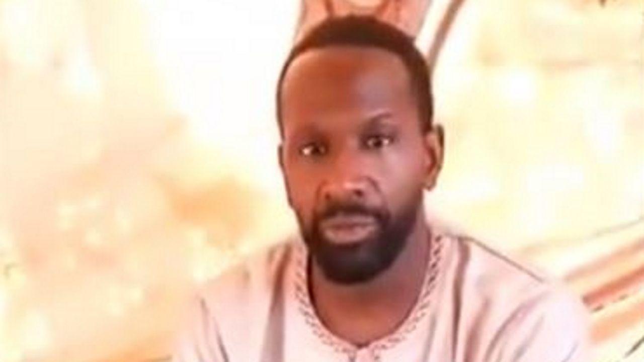 Olivier Dubois, en una captura del vídeo en el que anunció que está secuestrado