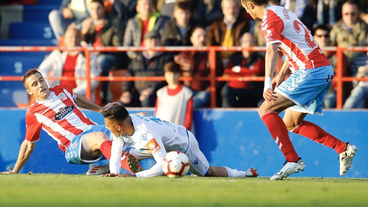 Peru Nolaskoain, en primer término, tras el derbi contra el Lugo