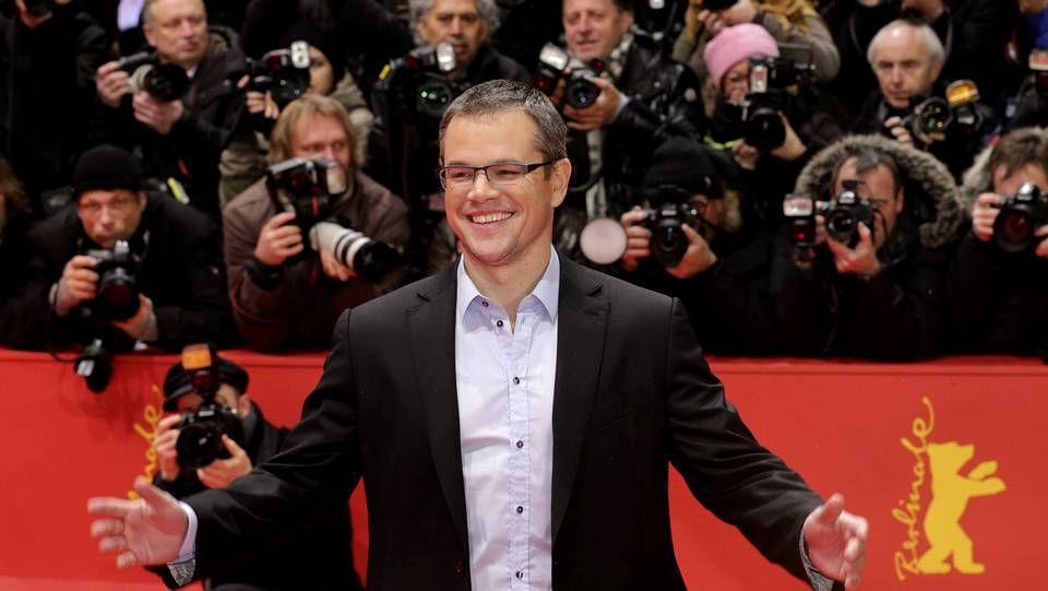 Berlinale: el festival que inaugura el glamour.El realizador George Sluizer presentó ayer en Berlín su montaje de la inconclusa «Dark Blood», con el añorado River Phoenix.