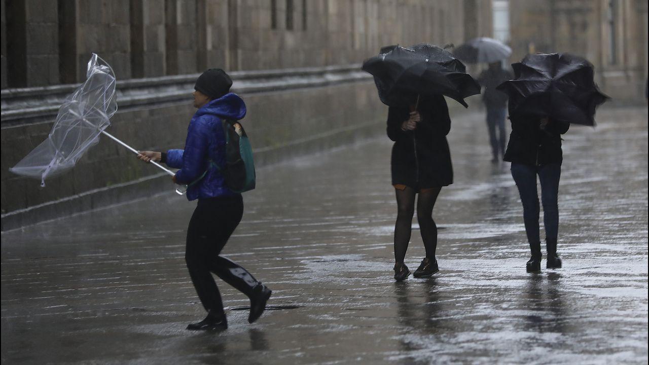 Las consecuencias del temporal de viento y lluvia en Santiago
