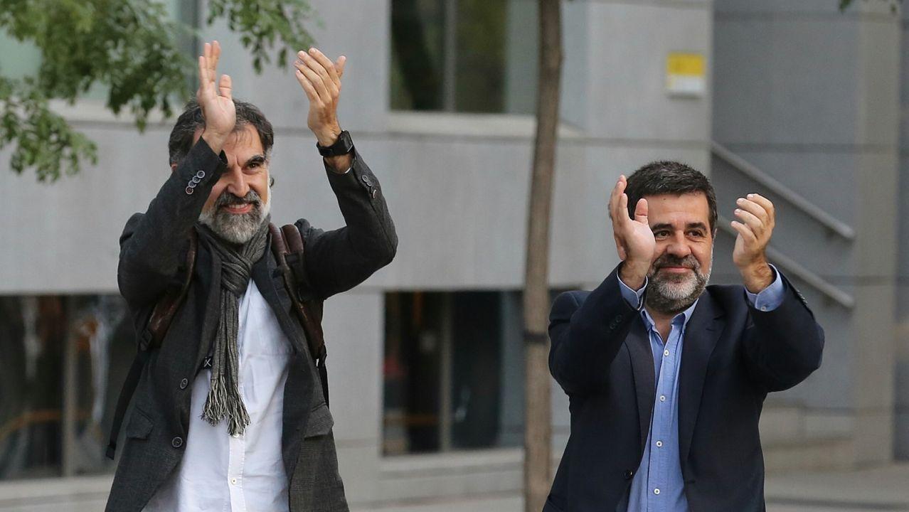 Jordi Cuixart y Jordi Sànchez, a su llegada al juicio del «procés»