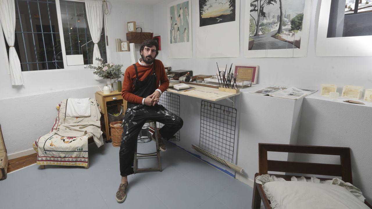 El «atelier» de García Forcada.COCHES MAL APARCADOS Y EN DOBLE FILA ZONA NUEVOS JUZGADOS