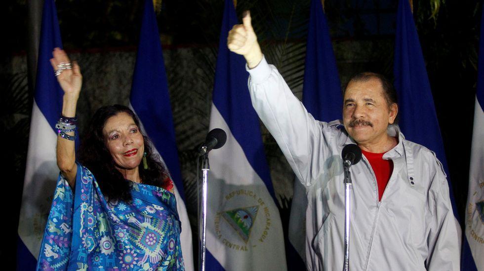Multitudinaria despedida de Fidel Castro.Chávez y Baduel