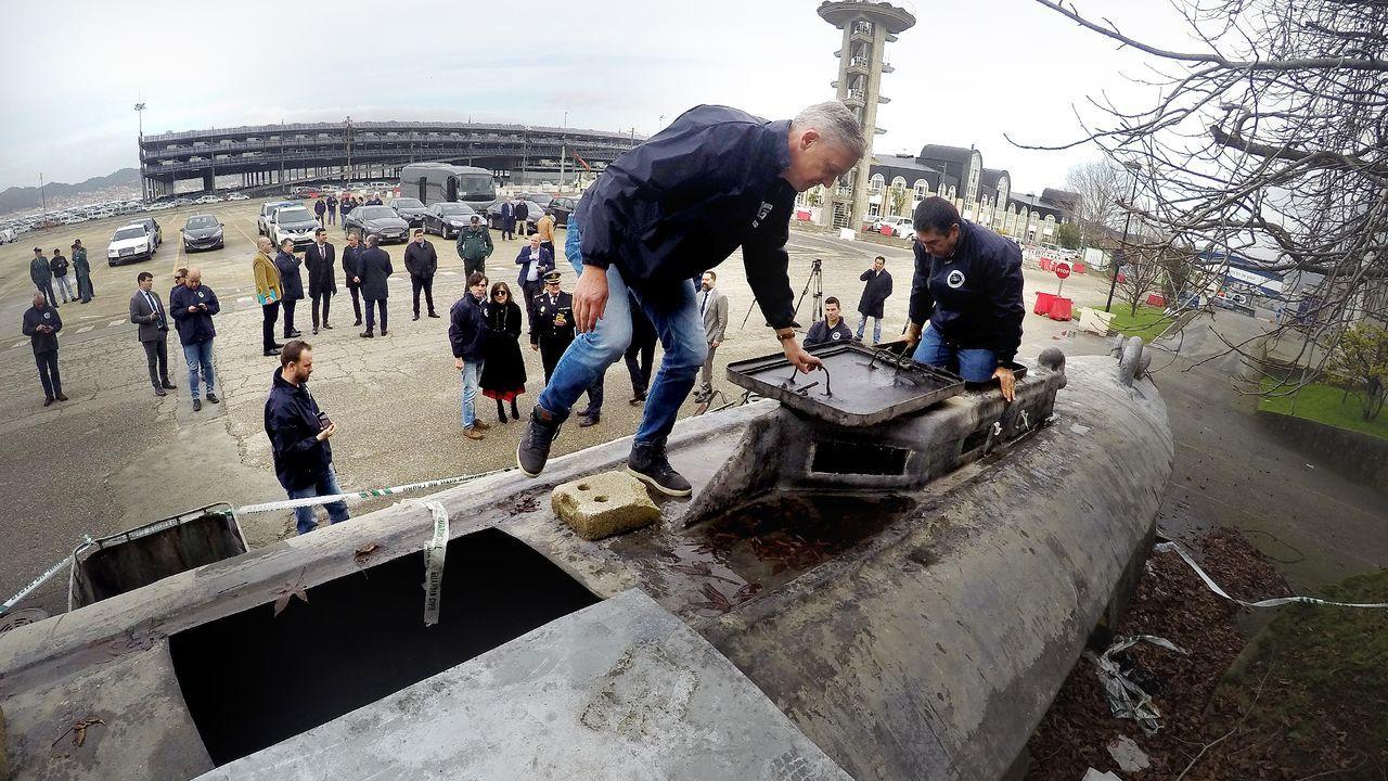 El torreón de Cela en Ciudad Jardín está a la venta.Inspección del narcosubmarino en las instalaciones de la Zona Franca de Vigo