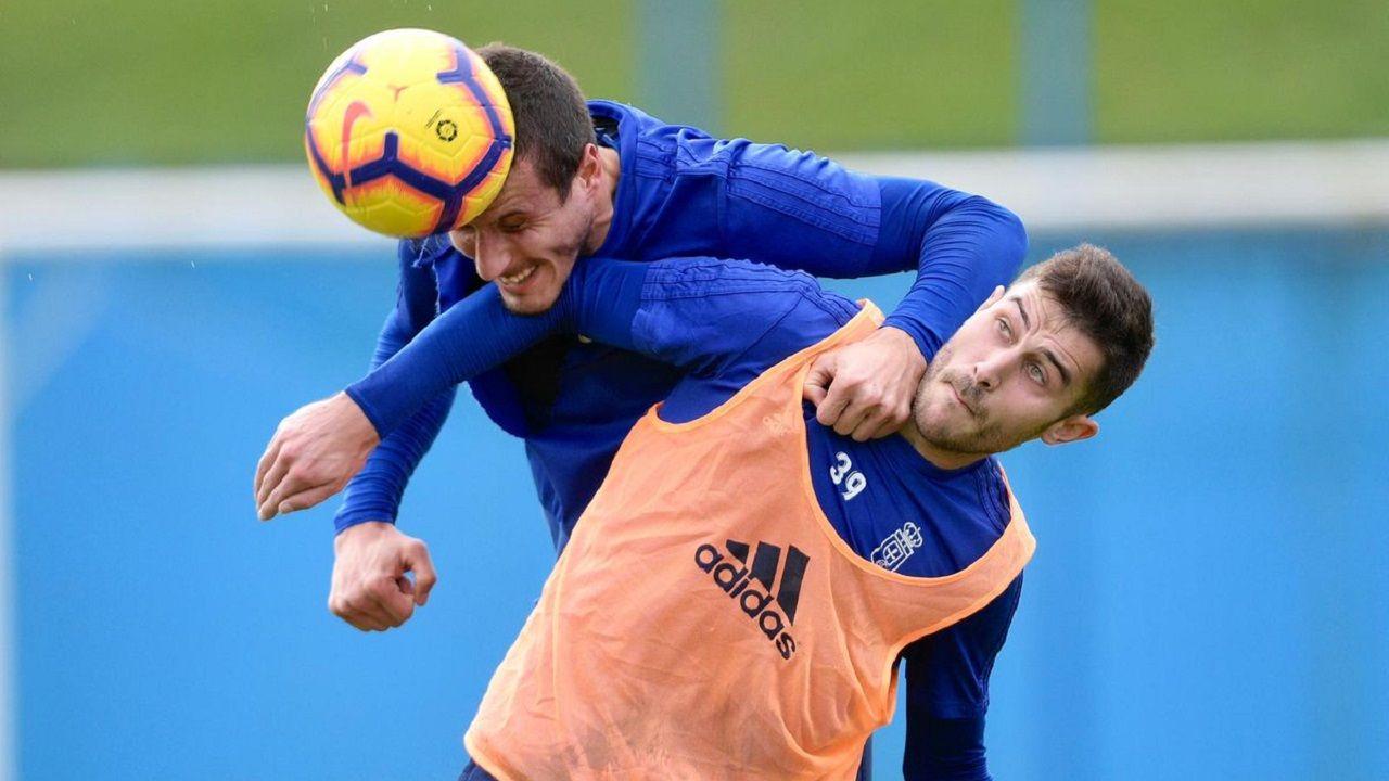 Gol Ibra Saul Berjon Real Oviedo Mallorca Carlos Tartiere.Christian Fernández remata ante Lucas