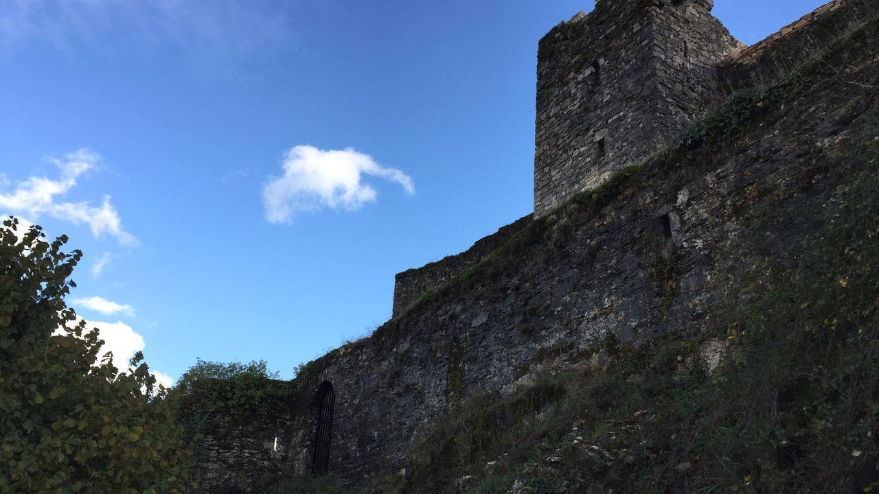 El castillo de Sarracín, en Vega de Valcarce, el Bierzo, está siendo rehabilitado para sus visitas