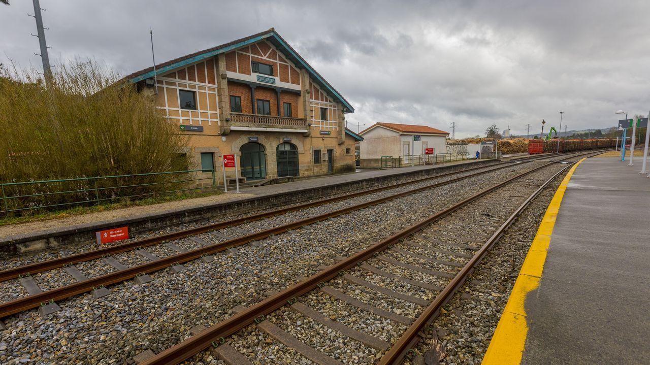 Las imágenes de la cumbre sobre el futuro del puerto de A Coruña.Recreación del proyecto de rehabilitación de la estación de Ribadavia