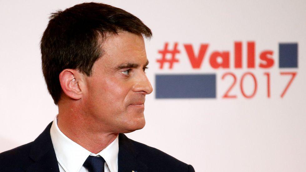 Bofetada a Manuel Valls.Hamon, al votar en París