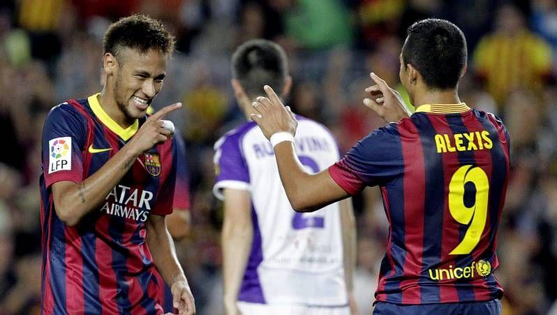 El Barça - Real Madrid, en fotos.Víctor Valdés (derecha) volvió a ser decisivo para el Barça; Cristiano fue la única referencia ofensiva del Madrid.