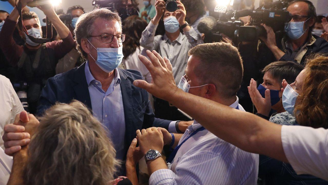 Alberto Núñez Feijoo celebra el resultado de las elecciones autonómicas.