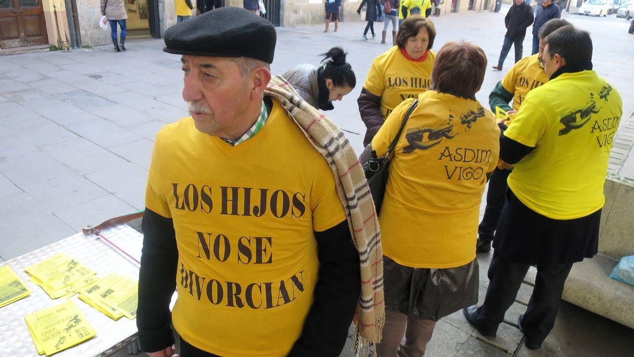 La Asociación de Pais e Nais Separados rogó en julio al Parlamento gallego con 15.000 firmas que regulase en Galicia la custodia compartida pero no logró su objetivo