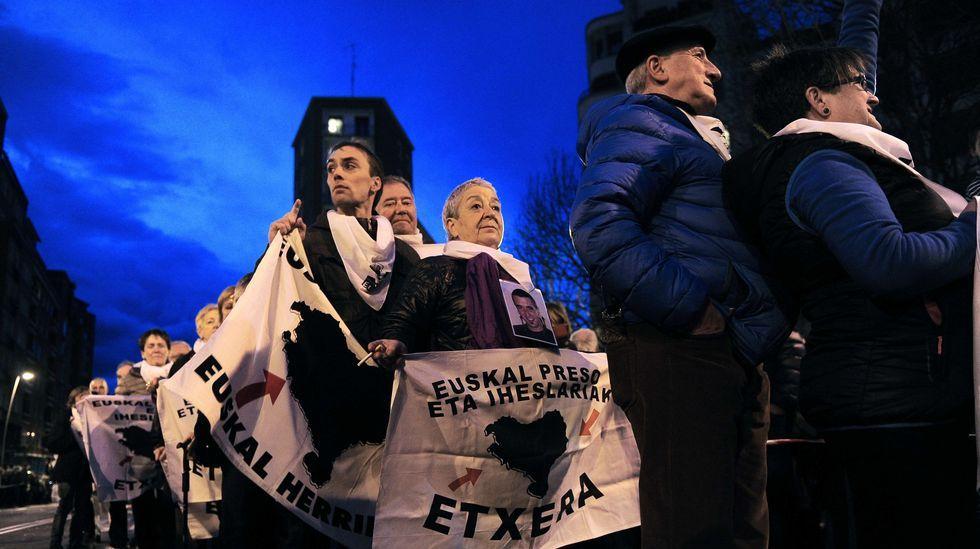 <br /> Marcha por los derechos de los presos de ETA.Torra junto al exlendakari Ibarretxe en una de las cinco marchas independentistas iniciadas esta mañana