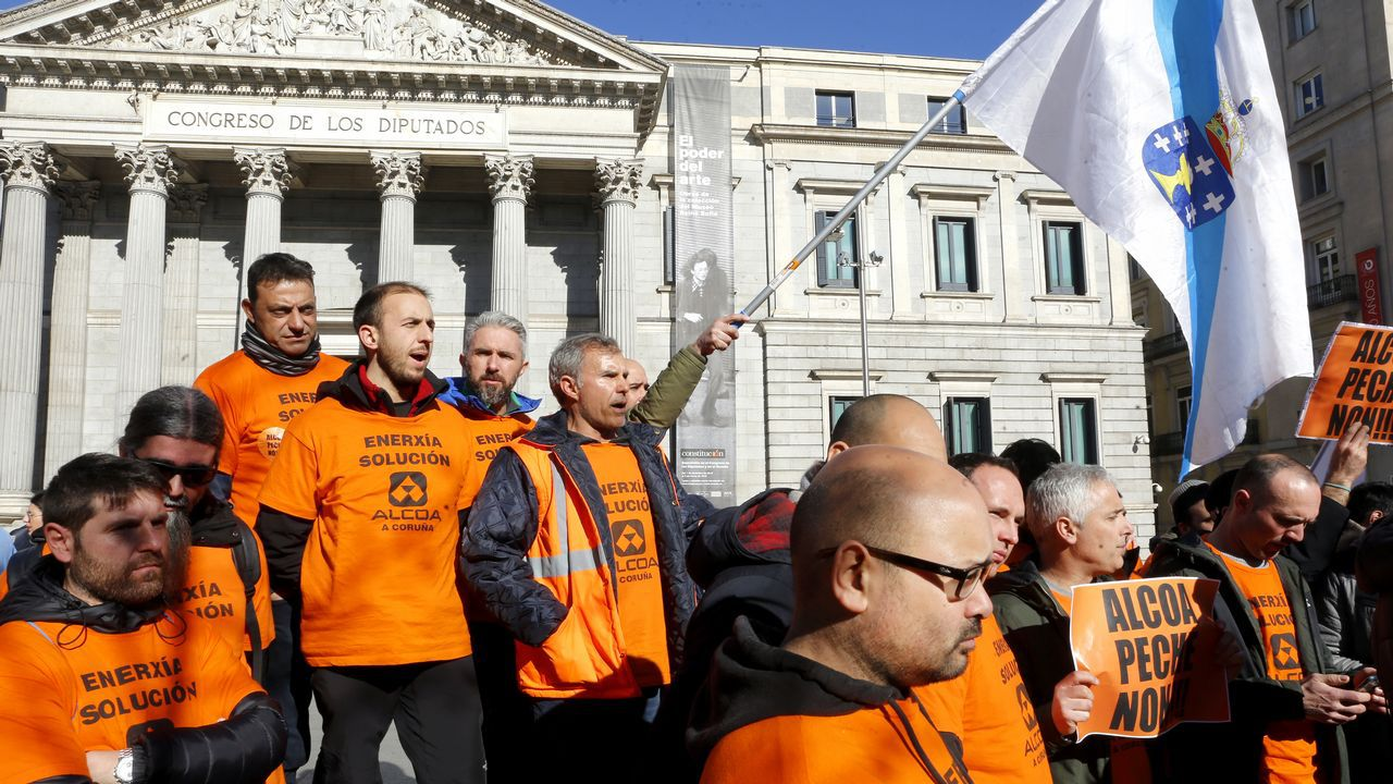 «La alternativa al preacuerdo con la empresa es el cierre y el despido automático».Trabajadores de Alcoa en Madrid