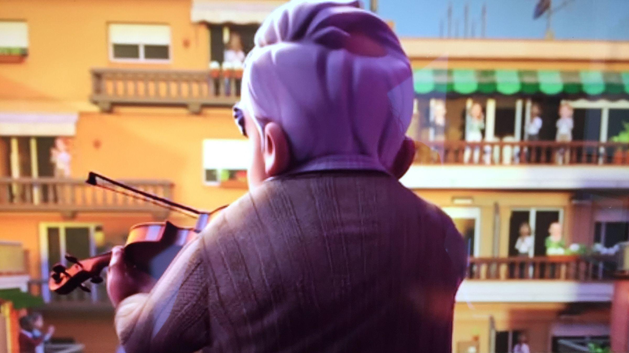 Los aplausos del confinamientoal vigués con alzhéimer se convierten en un corto.Fotograma de la película