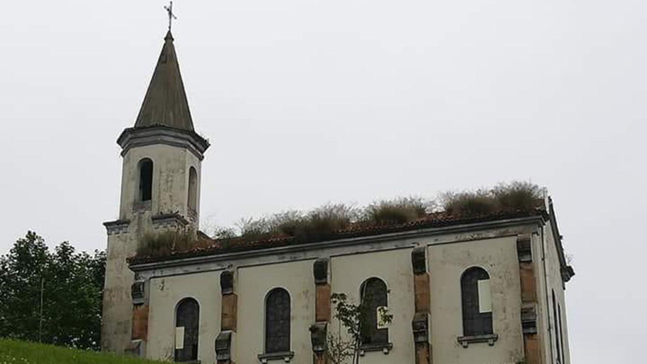 El abandono acosa la capilla de La Cadellada, un bien protegido que reclama atención.Iglesia de la Cadellada, Oviedo