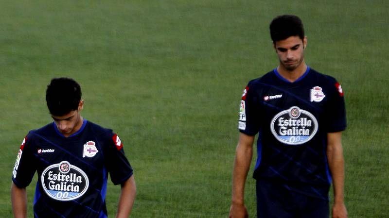 Mendilibar y Paciência analizan el Osasuna 2 - Deportivo 1.Jesús Vázquez viste medias azules desde que se rompió el peroné en marzo pasado.