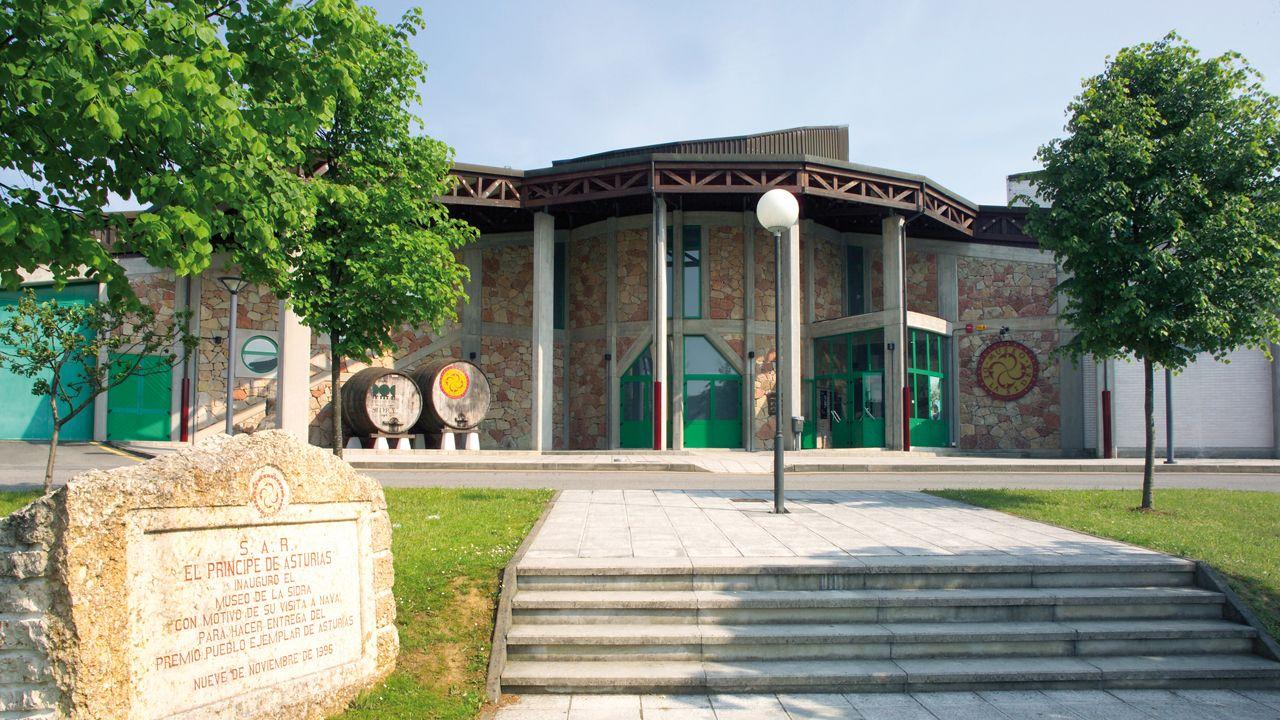 Entrada al Museo de la Sidra en Nava