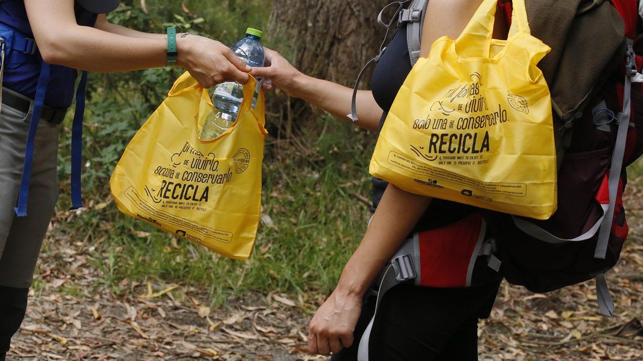 Su lema es claro: «Hai mil maneiras de vivir o Camiño pero só unha de consérvalo; Recicla»