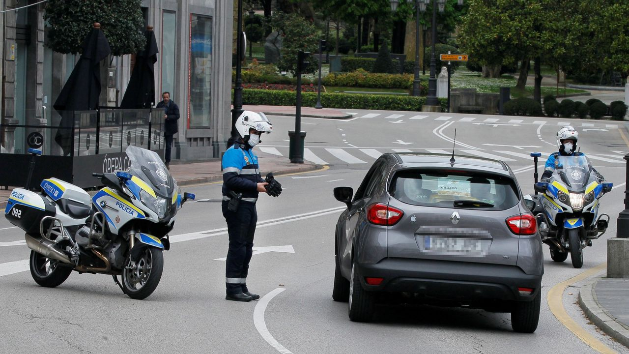 -La policia local de Oviedo realiza controles