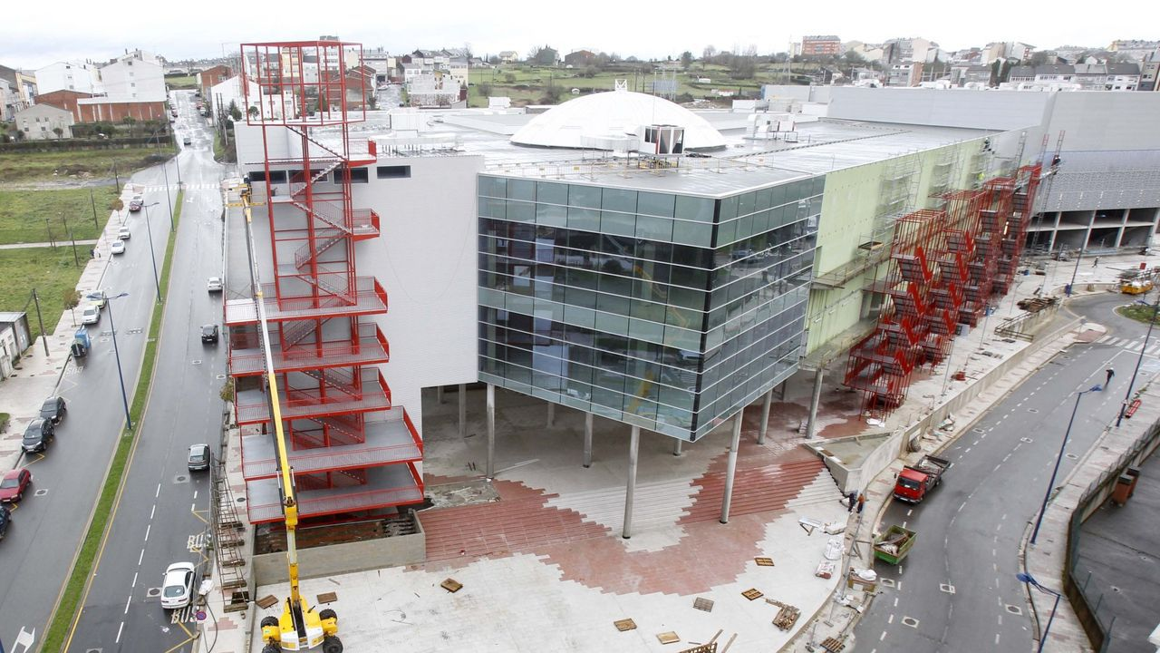 El centro comercial Abella, durante su construcción