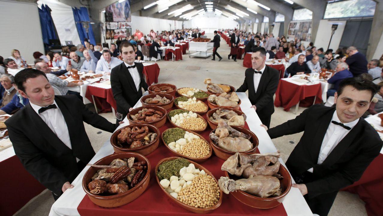 Búscate entre los asistentes al Cocido do Porco Celta