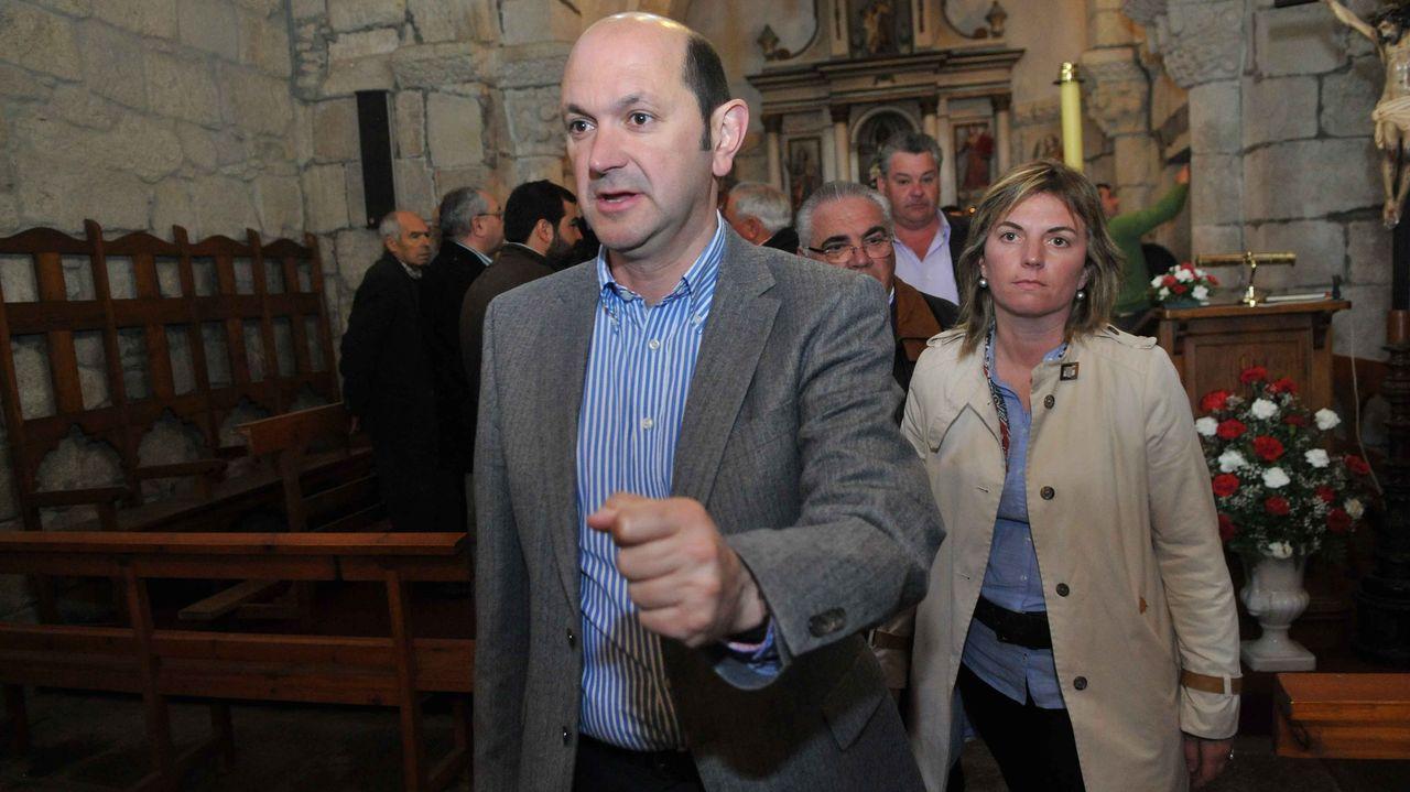 La ejecutiva de la agrupación socialista de Moraña, elegida el pasado septiembre. Xoel Souto Eiras, portavoz municipal, en el centro