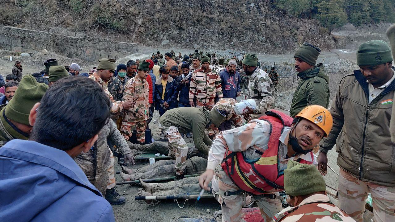 El Lérez recupera un balneario histórico en San Xusto Cerdedo-Cotobade.Los miembros de la Policía Fronteriza Indo-Tibetana (ITBP) atienden a las personas rescatadas