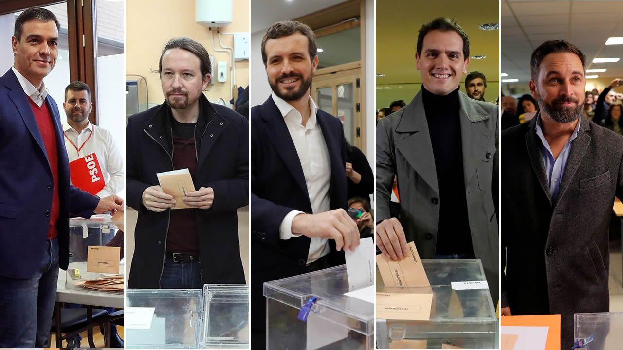 Los candidatos de Asturias votan.Votantes en un colegio electoral de Gijón, en las elecciones generales del 10N