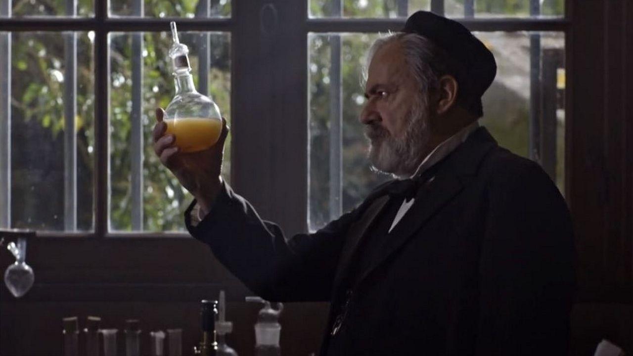 El actor Damon Herriman encarna a Charles Manson en la segunda temporada de la serie «Mindhunter»