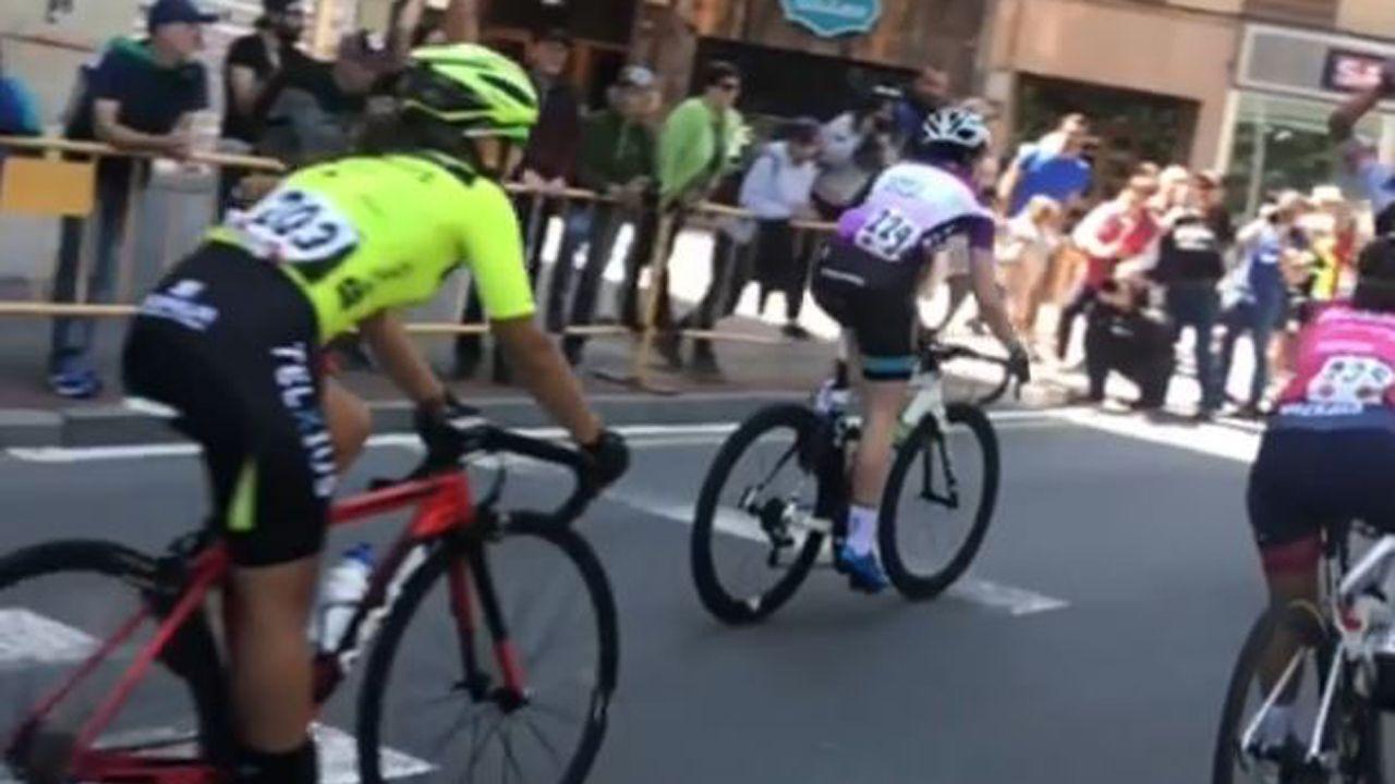 Así fue la primera etapa de Sergio Pazos en su reto ciclista por la pequeña Olivia.Llegada a la meta en la Vuelta Femenina a Álava