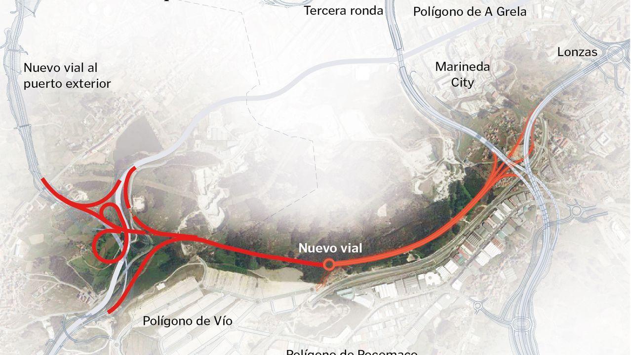 Un tráiler vuelca en la A-6, en Betanzos.Concentracion del BNG ante la Delegacion del Gobierno contra la subida de los peajes de la AP-9