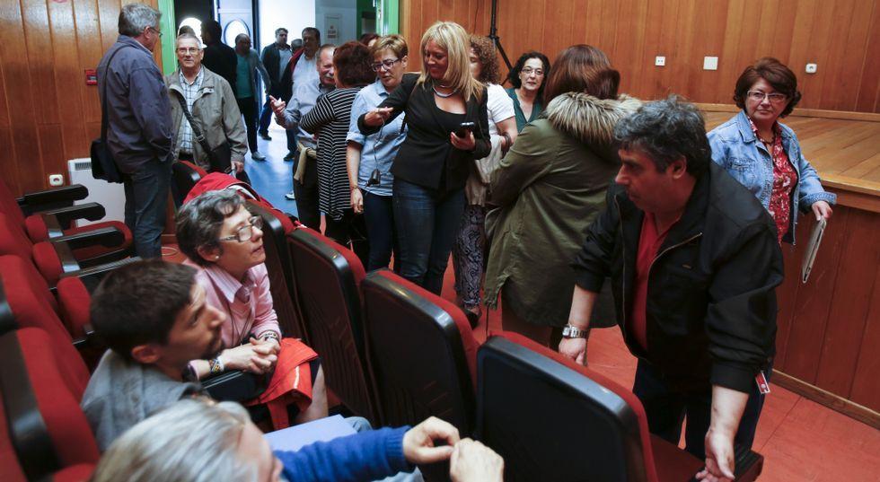 Sestayo instantes antes del comienzo de la asamblea celebrada el pasado día 10.