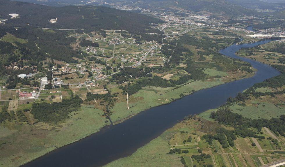 Vista aérea de la parroquia Vigo del Concello de Dodro, a orillas del río Ulla.